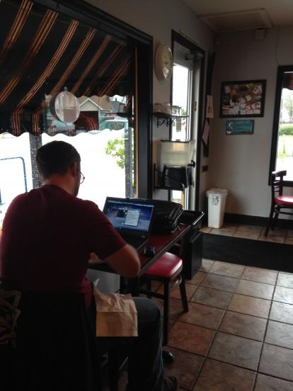Speedboat Coffee, Working